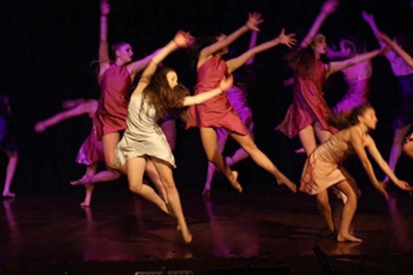 Student dance on a stage